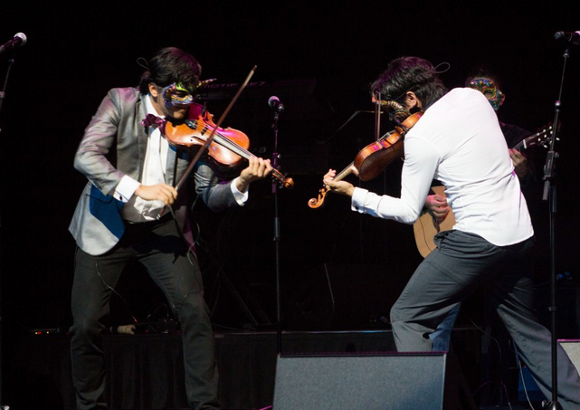 Villalobos Brothers_Dueling Fiddles